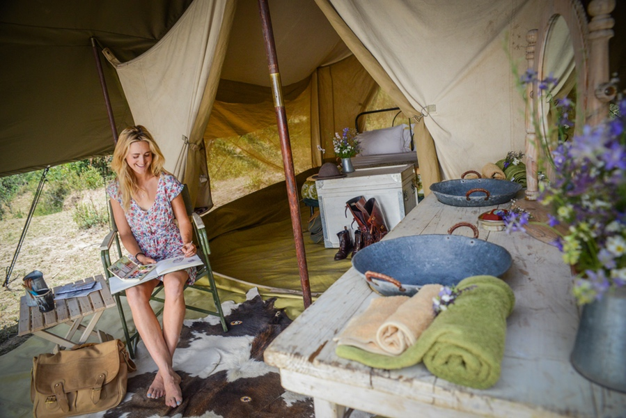 Safaris Unlimited Africa - in camp painting.